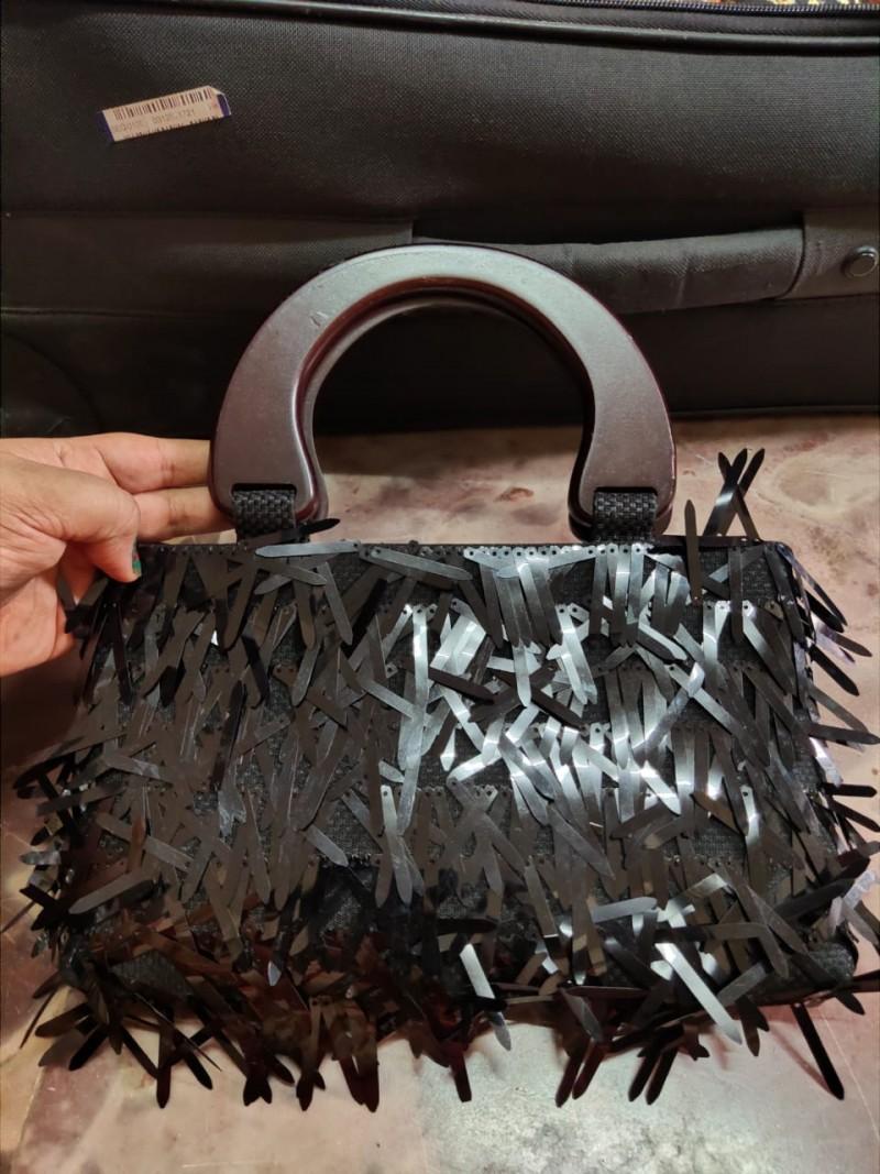 Jute Bag with Wooden Handle